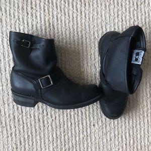 Frye engineer 8R boot